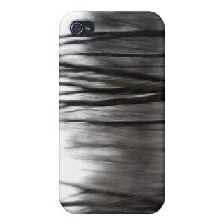 Árboles siniestros 2 iPhone 4 coberturas
