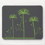 Árboles verdes retros lindos de la primavera tapetes de ratones