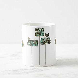 Árboles y taza abstractos retros de los pájaros
