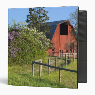 """Arbustos de lila en la floración y urracas en los carpeta 1 1/2"""""""
