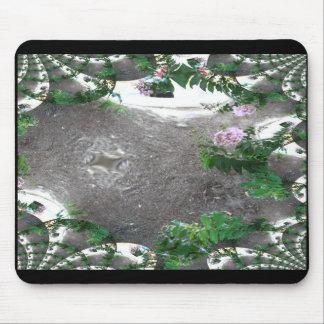 Arbustos rosados remontados fractal tapete de ratones