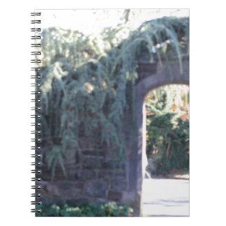 Arcada del jardín libros de apuntes con espiral