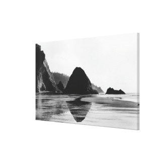 Arch Cape near Cannon Beach, Oregon Photograph Stretched Canvas Print