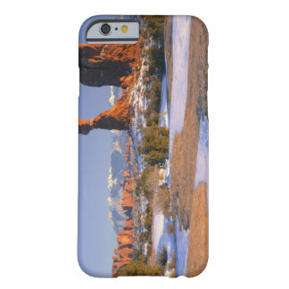 ARCHES NATIONAL PARK, UTAH. USA. Balanced Rock Barely There iPhone 6 Case