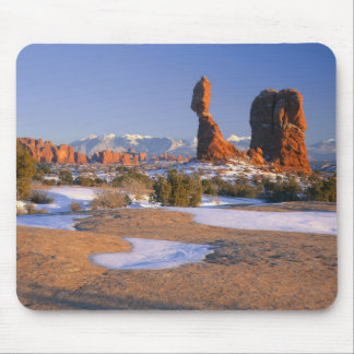 ARCHES NATIONAL PARK, UTAH. USA. Balanced Rock Mouse Pad