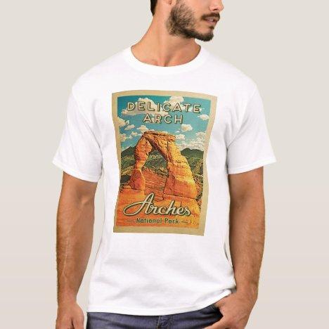 Arches National Park - Vintage Delicate Arch T-Shirt