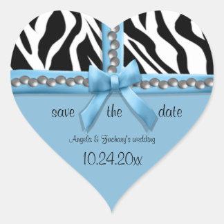Arco azul y rayas blancas de la cebra con las pegatina en forma de corazón