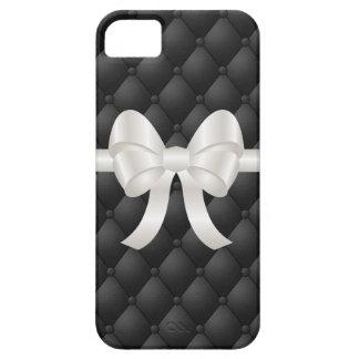 Arco blanco lindo en el cuero copetudo negro falso iPhone 5 cobertura
