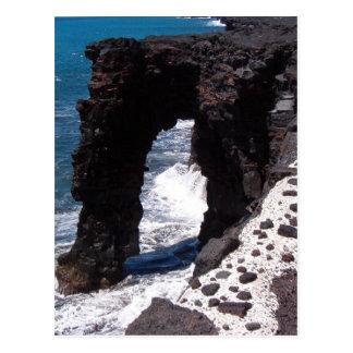 Arco de la piedra de la playa de Hawaii Tarjetas Postales