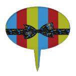 Arco de las notas de la música y rayas coloridas d palillos de tarta