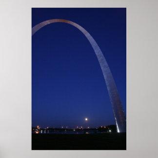Arco de St. Louis en la oscuridad Posters