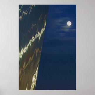 Arco de St. Louis y la luna Poster