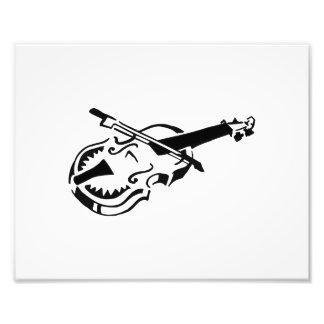 Arco de violín blanco atado del instrumento image. fotografía