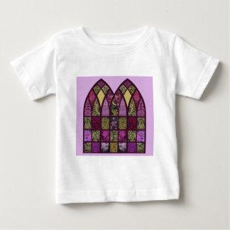 Arco del remiendo en frambuesa y púrpura playeras