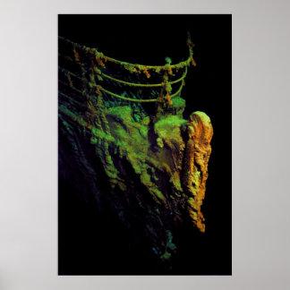 Arco del titánico según lo visto del sumergible de poster
