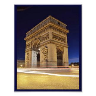 Arco del Triunfo de l'Étoile en tiro de la noche Fotografía