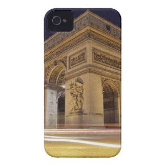 Arco del Triunfo de l'Étoile en tiro de la noche iPhone 4 Case-Mate Cobertura