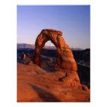 Arco delicado en la puesta del sol con La nevado Fotografia