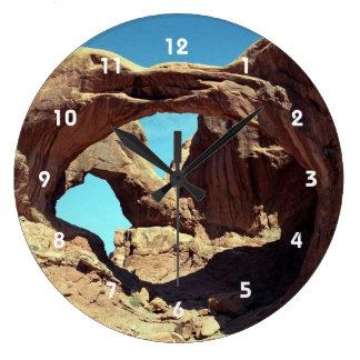 Arco doble reloj redondo grande