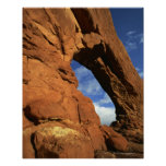 Arco en la formación de roca 2 poster