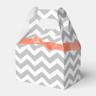 Arco gris del zigzag y del coral caja para regalos