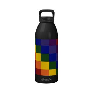 Arco iris a cuadros botellas de beber