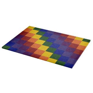 Arco iris a cuadros tabla para cortar
