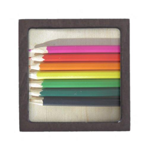 Arco iris coloreado de los lápices caja de recuerdo de calidad