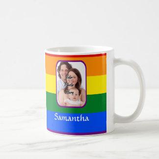 Arco iris coloreado tazas de café