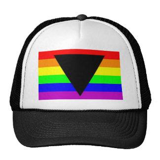 Arco iris con el triángulo negro para homosexual y gorros