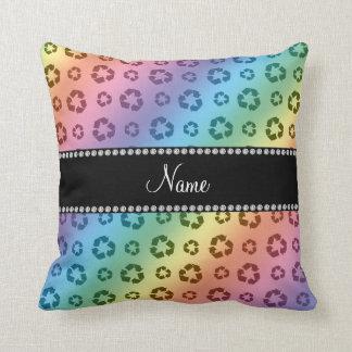 Arco iris conocido personalizado que recicla el almohada