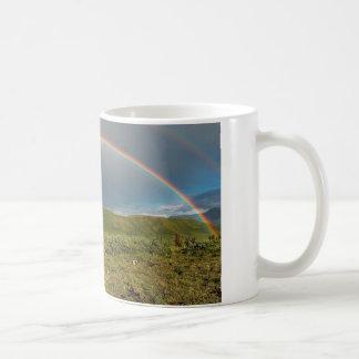 ¡Arco iris de Alaska doble, foto real! Taza De Café
