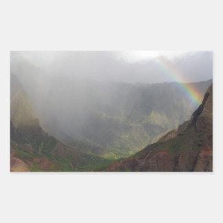 Arco iris de la costa de Napali de la montaña Etiqueta