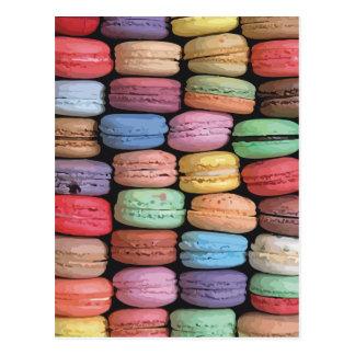 Arco iris de las galletas apiladas de Macaron del Tarjeta Postal