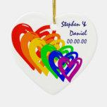 Arco iris de los corazones adorno navideño de cerámica en forma de corazón