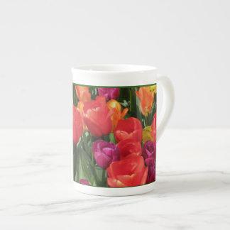 Arco iris de tulipanes tazas de china