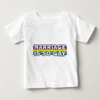 Arco iris del matrimonio homosexual playera de bebé
