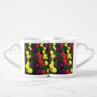 Arco iris del tulipán taza para parejas