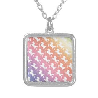 Arco iris del unicornio colgante cuadrado