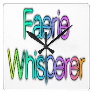 Arco iris del Whisperer del Faerie Reloj De Pared