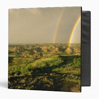 "Arco iris doble sobre el barranco pintado en carpeta 1 1/2"""