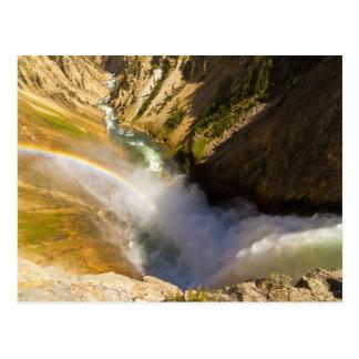 Arco iris durante caídas más bajas de Yellowstone Tarjetas Postales