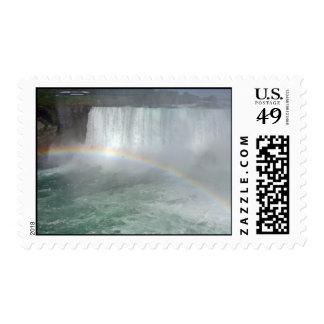 Arco iris en la caída de Niágara Franqueo