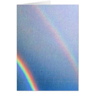 Arco iris en la lluvia felicitación