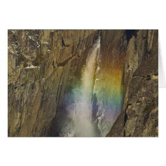 Arco iris en las cataratas de Yosemite superiores  Tarjeta De Felicitación
