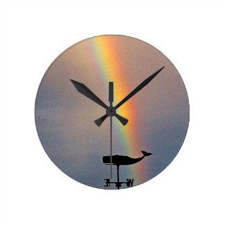 Arco iris Hawai'i de la ballena Reloj Redondo Mediano