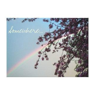 Arco iris hermoso con la palabra en alguna parte lona estirada galerias
