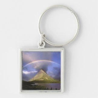 Arco iris lleno y cielo tempestuoso sobre Grinnell Llavero