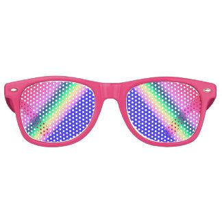 Arco iris rosado y en colores pastel con las lentes de sol