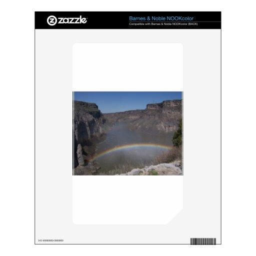 Arco iris sobre el agua calcomanía para el NOOK color